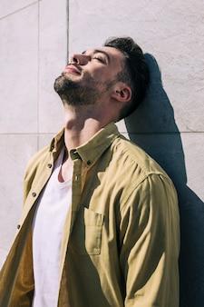 Homem, relaxado, sol