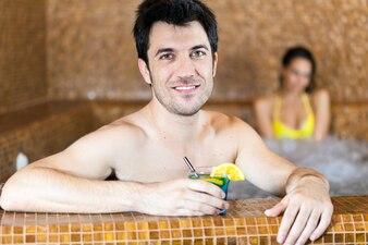 Homem, relaxante, em, um, spa