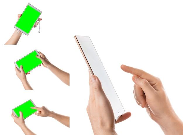 Homem segurando e tocando tablet branco tela isolada com chroma key colagem de fotos definidas