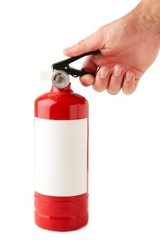 Homem segurando extintor de incêndio