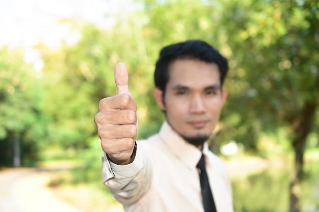Homem, segurando, mão, sucesso