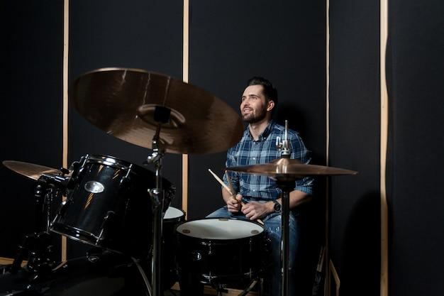 Homem, tocando, drumms