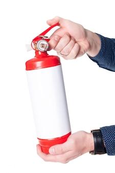 Homem, usando, extintor fogo, isolado