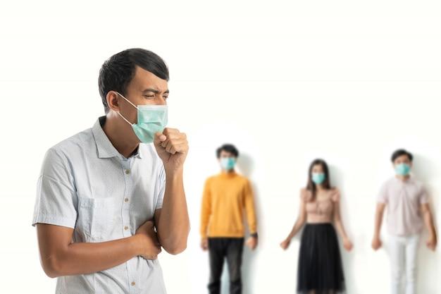 Homem usar máscaras para proteção contra vírus corona