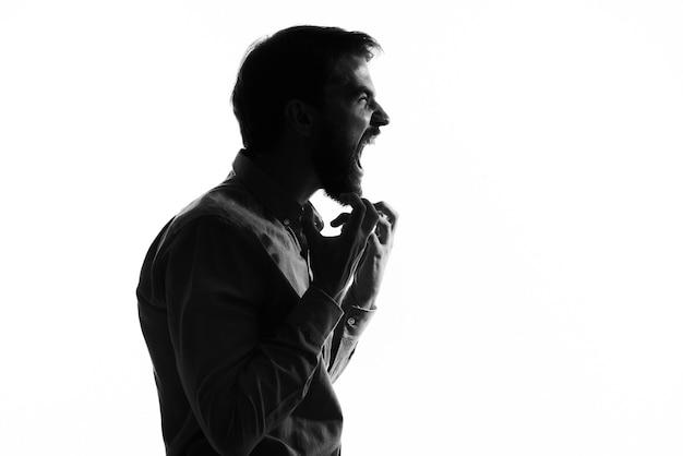 Homens gesto mãos emoções cortadas vista luz incógnito.