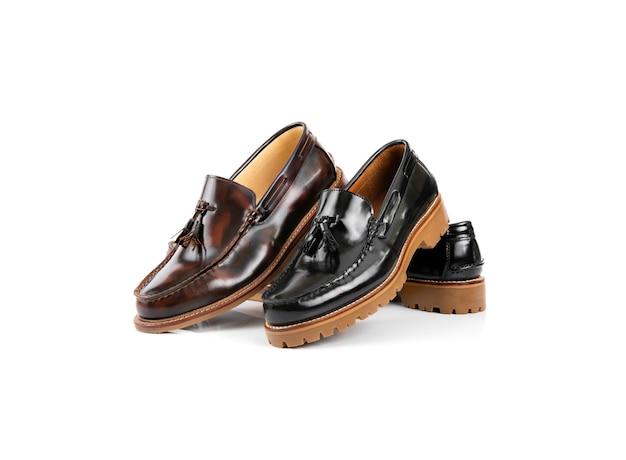 Homens moda tassle loafer sapatos isolados