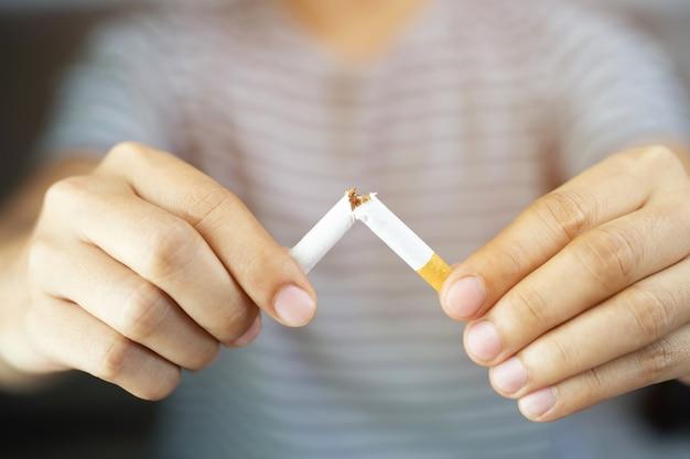 Homens pararam de fumar