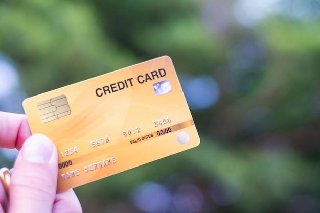 Homens, ter, cartão crédito, ligado, bokeh, natureza