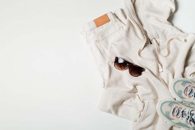 Hoodies e tênis moda plana leigos