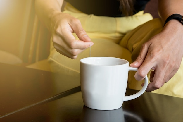 Hora do chá para relaxar no café café