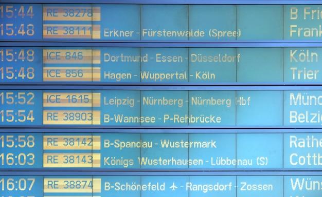 Horário do trem na estação