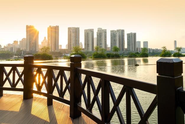Horizonte da cidade de guangxi liuzhou na china