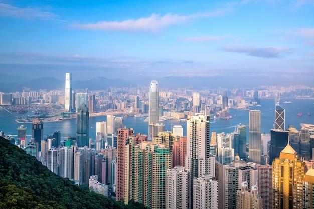 Horizonte da cidade de hong kong com vista superior do victoria harbour