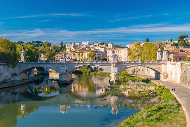 Horizonte da cidade velha de roma na itália, europa