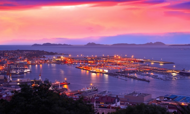 Horizonte de vigo e porto pôr do sol na galiza espanha