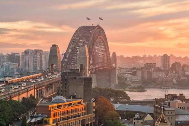 Horizonte do centro de sydney na austrália visto de cima ao entardecer