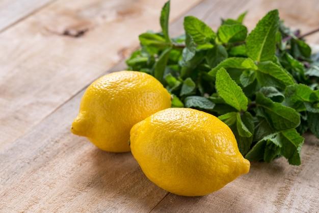 Hortelã, limão, fresco, fundo, madeira, comida, limão