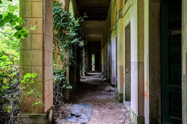 Hospital abandonado em poveglia