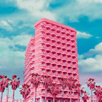 Hotel de moda. arte minimalista colorida rosa. sonhos tropicais