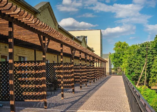 Hotel no castelo da vinícola prince trubetskoy em um dia ensolarado de verão