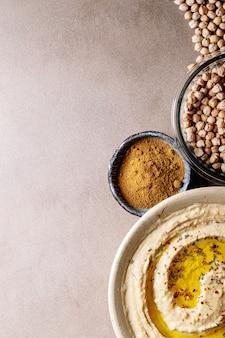 Hummus com azeite