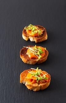 Hummus de abóbora de conceito de comida saudável homus