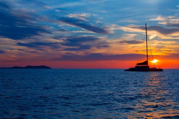 Ibiza san antonio abad de portmany pôr do sol