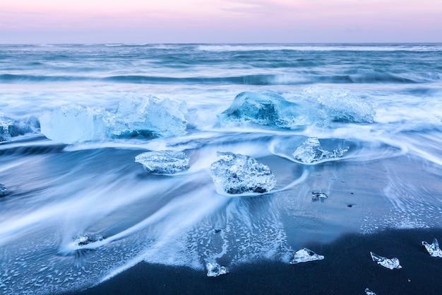 Iceberg praia islândia