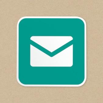Ícone de botão verde de correio isolado