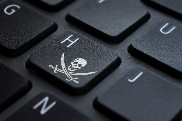 Ícone de hacker de teclado na chave h