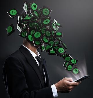 Ícones do spotify aparecendo na cara de um homem