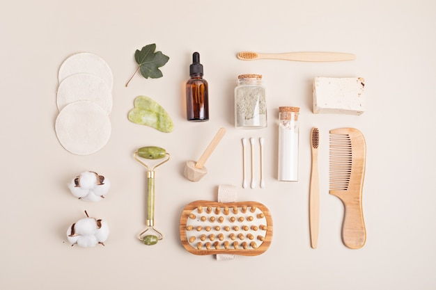 Ideia de dia de spa em casa. acessórios de autocuidado reutilizáveis orgânicos ecológicos. estilo de vida sustentável de desperdício zero. flatlay, vista superior