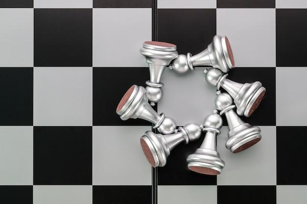Idéia de jogo de tabuleiro de xadrez de estratégia de gestão
