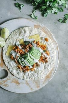Idéia de receita de fotografia de comida de cogumelo caseiro quesadilla