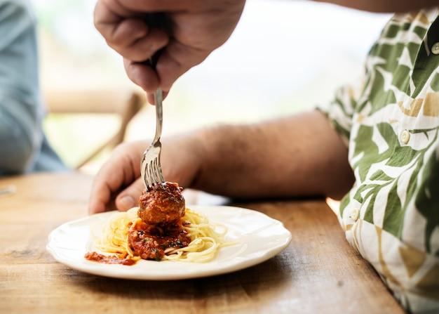 Idéia de receita de fotografia de comida de espaguete caseira