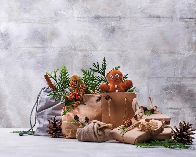 Idéias diferentes para embalagens ecológicas para presentes de natal sem resíduos
