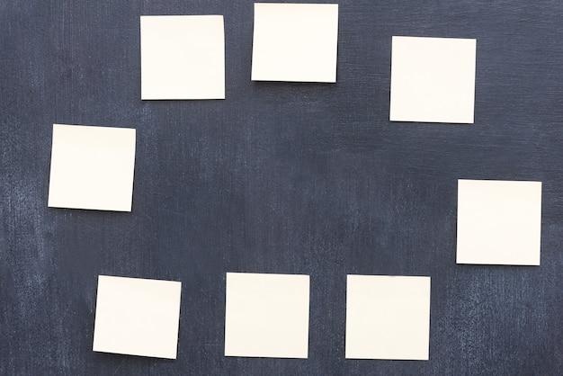 Idéias para lembrar. imagem de um grupo de lembretes formando um círculo