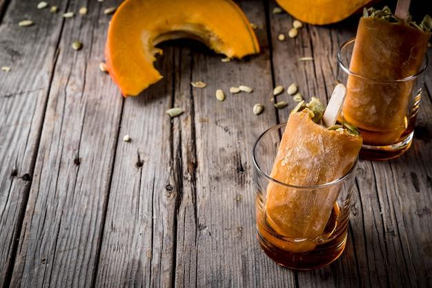 Idéias para pratos de outono de abóboras. mimos para uma festa de ação de graças, halloween.