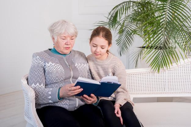 Idoso, vovó, leitura, com, dela, neta