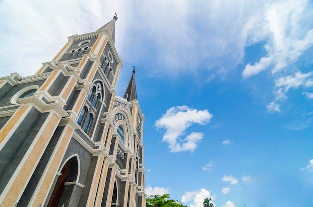 Igreja católica na província de chantaburi, tailândia.