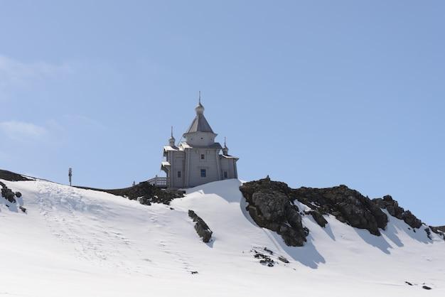 Igreja de madeira na antártica