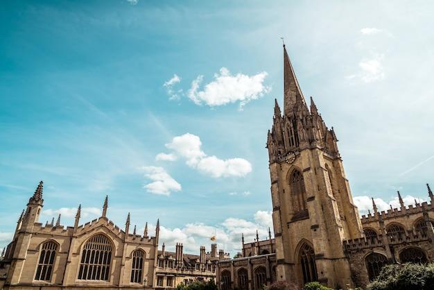 Igreja de santa maria a virgem da universidade de oxford em oxford, reino unido