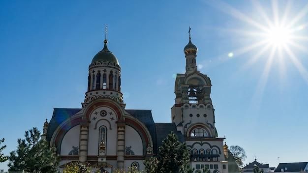 Igreja do santo príncipe apostólico vladimir no sol. sochi, rússia.