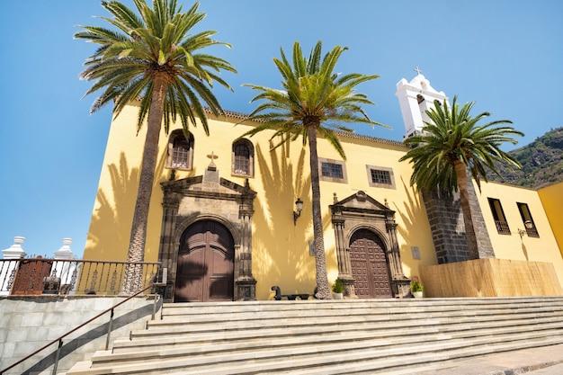 Igreja na cidade velha de garachico, na ilha de tenerife. ilhas canárias.espanha