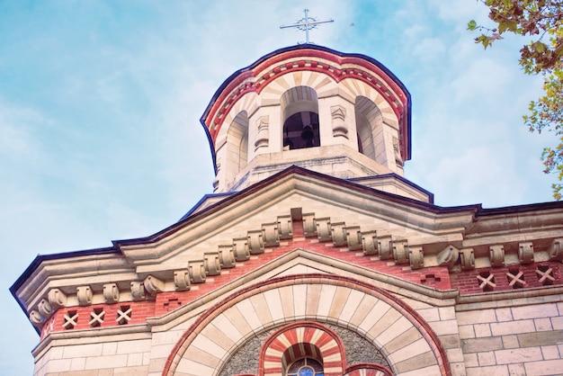 Igreja pantelimon vermelha na cidade de chisinau