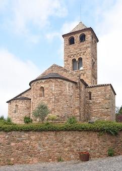 Igreja românica de sant vicens, espinelves, província de girona, catalunha, espanha