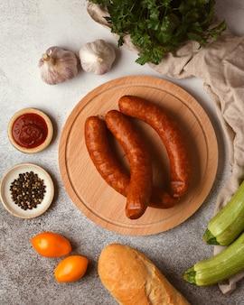 Iguarias de carne e linguiça linguiça de bacon e linguiça