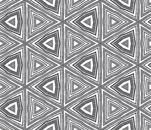 Ikat repetindo design de trajes de banho. fundo preto caleidoscópio simétrico. impressão fabulosa em tecido pronto, tecido de biquíni, papel de parede, embrulho. padrão de trajes de banho de ikat de verão.