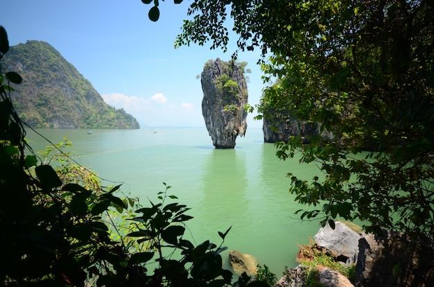 Ilha bond