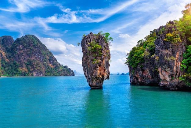 Ilha de james bond em phang nga, tailândia.